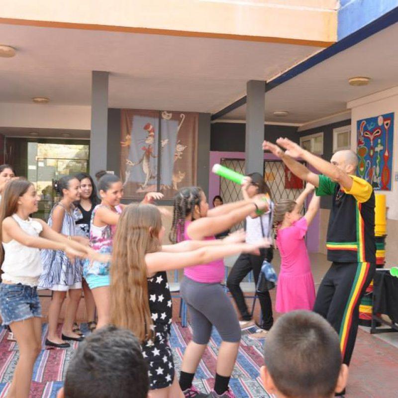 עם בית ספר אילנות- מסיבת סיום 2014-4